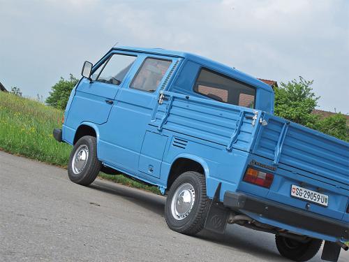 vw bus t3 doka blau 1988 1200x900 0006 7