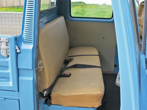 vw bus t3 doka blau 1988 1200x900 0009 10