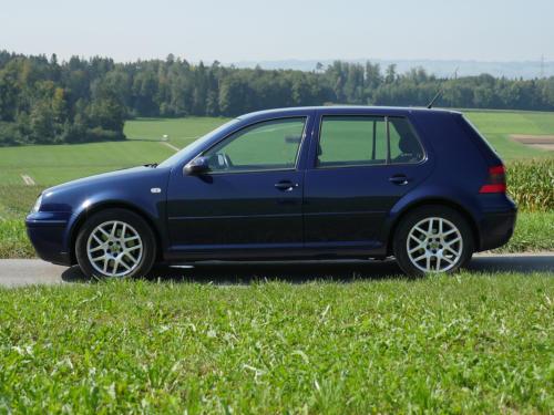 vw golf IV 1-8 T 180PS dunkelblau 2003 0015 16